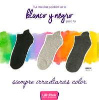 Tus medias podrán ser a blanco y negro pero tú siempre irradiarás color